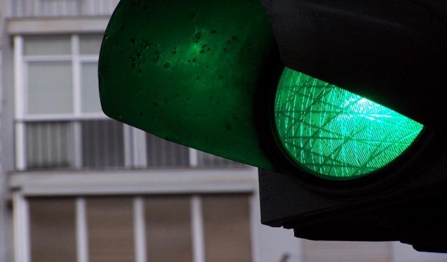 zeleno svetlo semafor