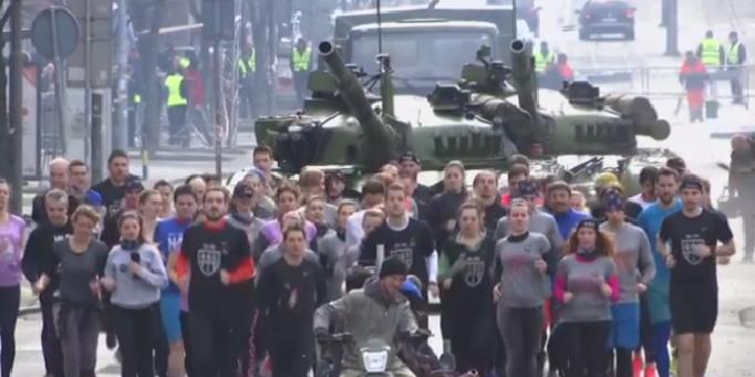 srpski aktivisti tenk