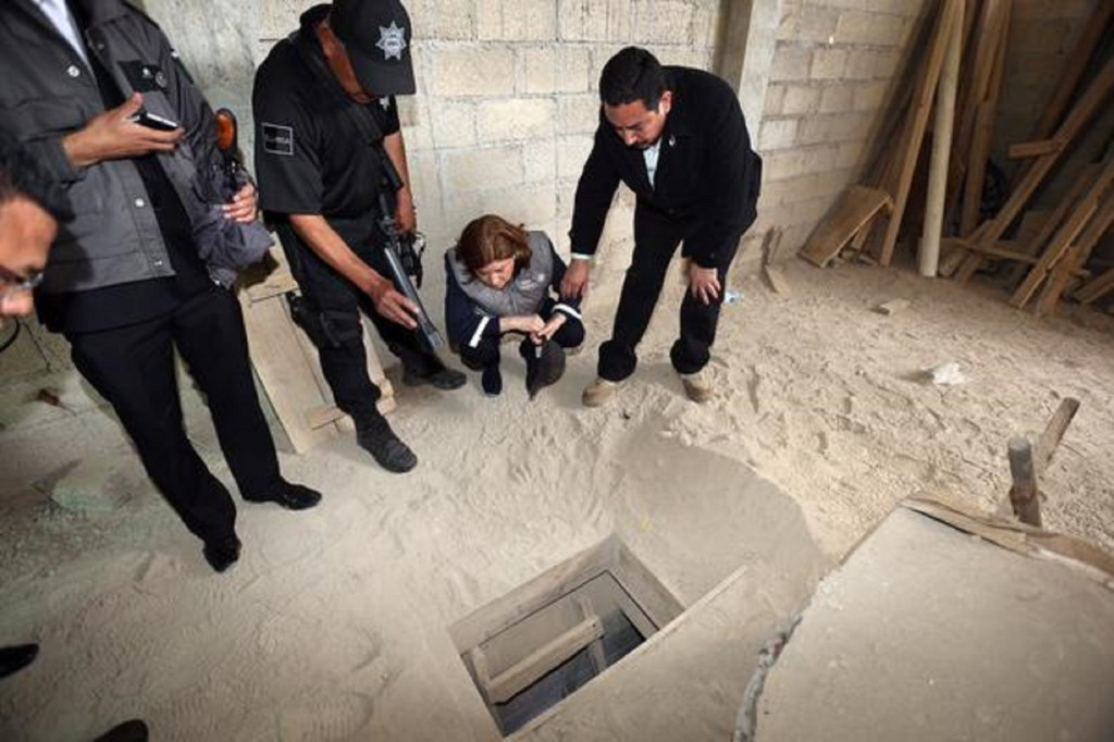 "Joaquin ""El Chapo"" Guzman Escape Tunnel"