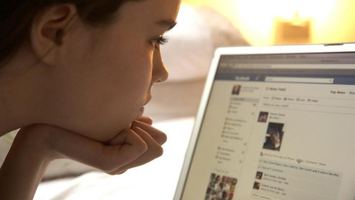 girl facebook