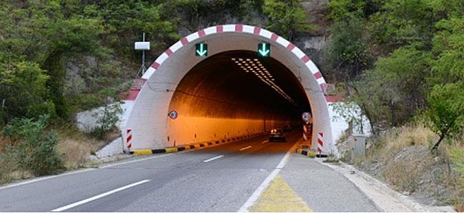 tuneli-katlanovo-osvetluvanje