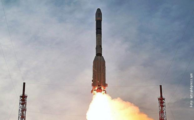 Лансирање ракета