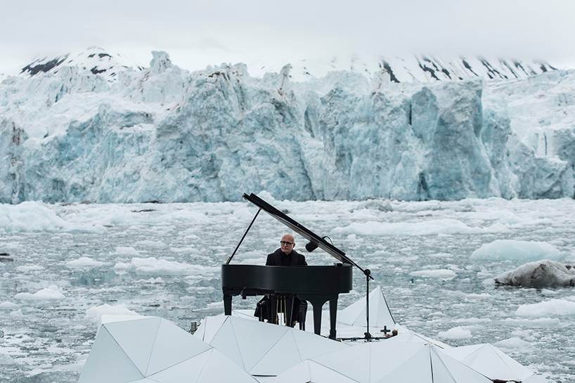 ludovico-einaudi-performs-in-the-arctic-ocean
