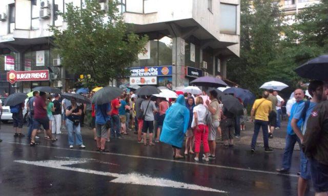 protest plenum-1