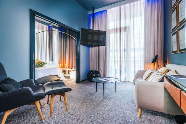 ronaldo hotel 4