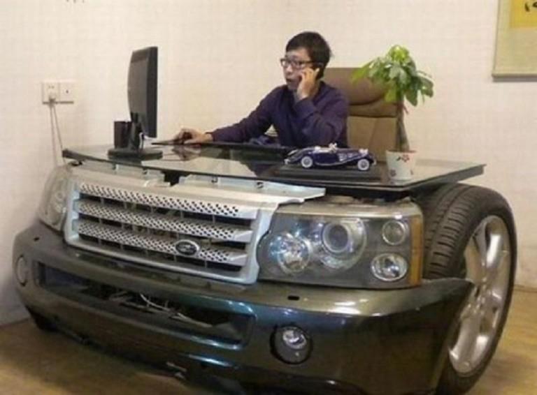 9.-Land-Rover