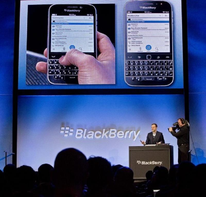 BlackBerry Classic smartfon mobilni telefon2