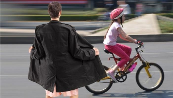 manijak-devojcica-bicikl-620x350-71946