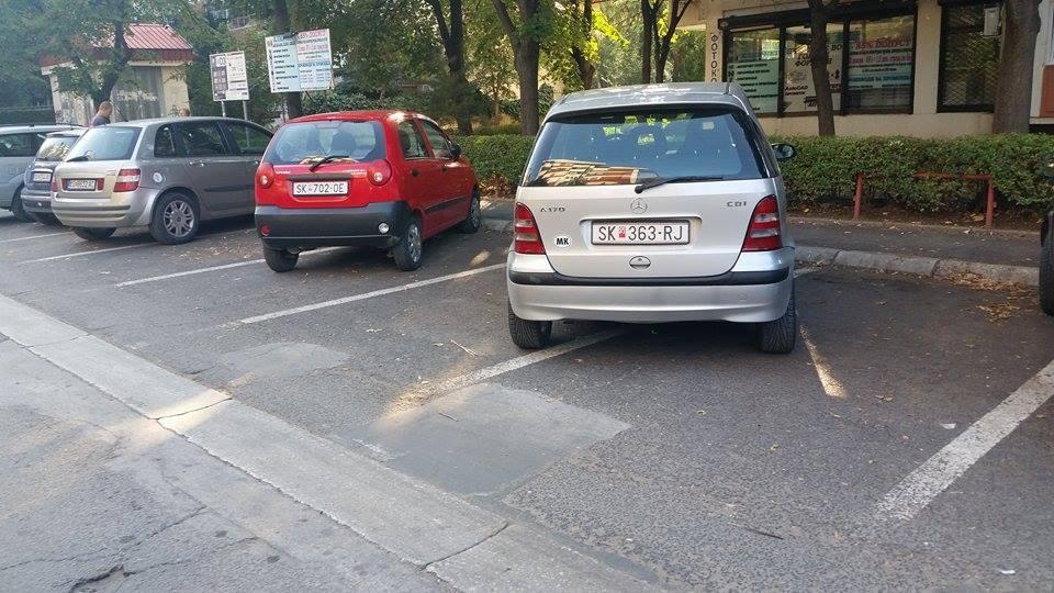 parkirani koli