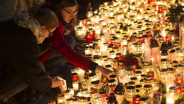 pariz-sekjavanje-zrtvi-terorizam