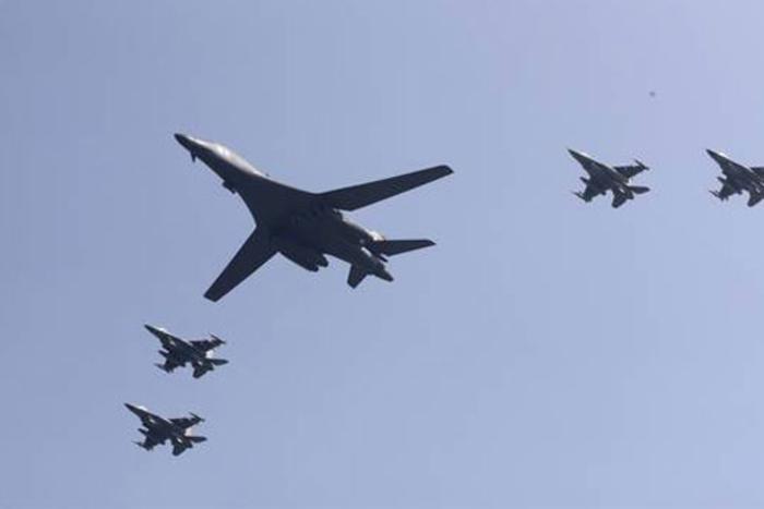 amerikanski-bombarderi