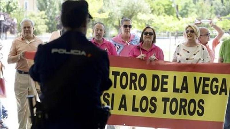 madrid-protest-bikovi