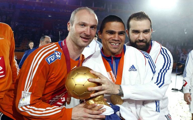 2048x1536-fit_l-r-thierry-omeyer-daniel-narcisse-and-jerome-fernandez-french-players-celebrate-with-the-trophy