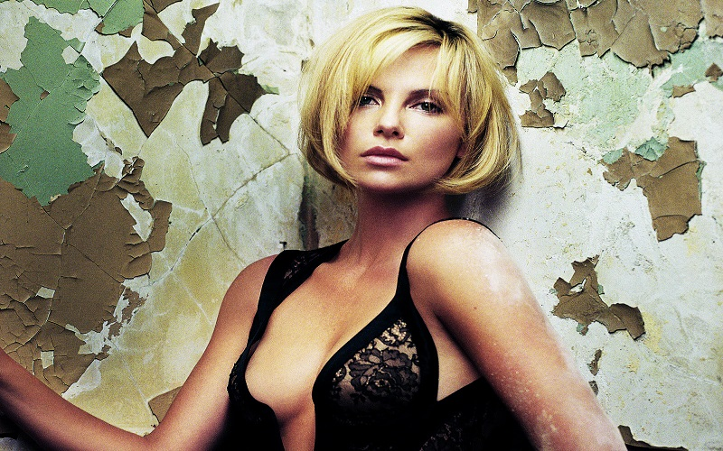Charlize-Theron-Hot-Wallpapers-2