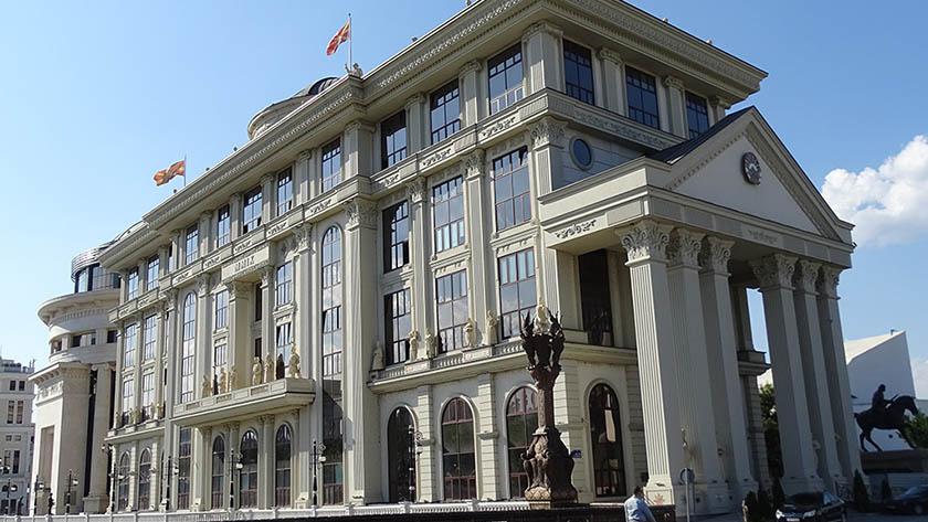 МНР нема информации за повредени македонски граѓани по земјотресите во Турција и Грција