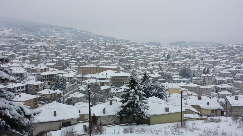 Снег и минусни температури во Крушево и Маврово
