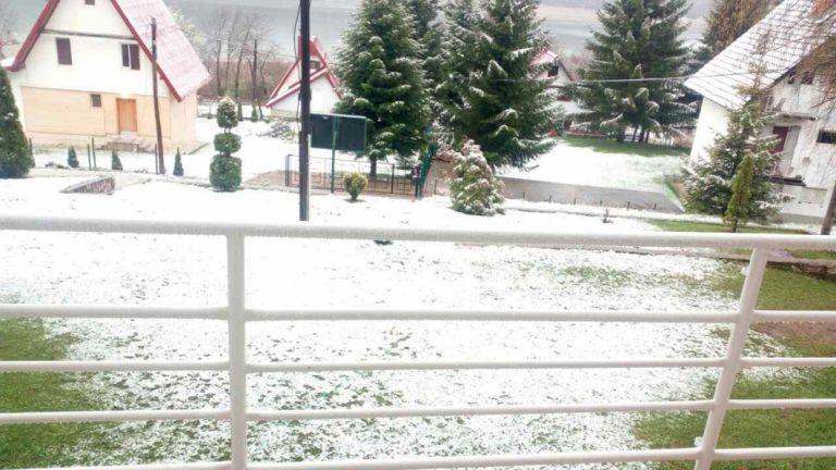 sneg mavrovo