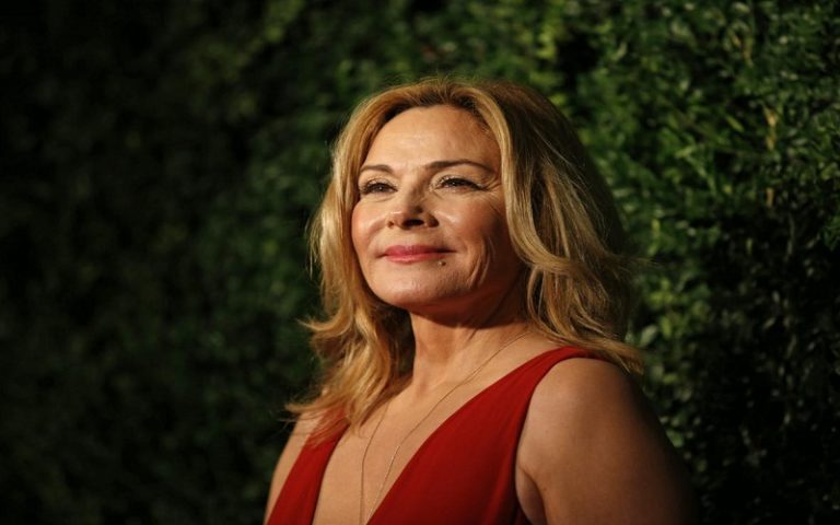 459753378-british-canadian-actress-kim-cattrall-poses-on-the-red.jpg.CROP.promo-xlarge2