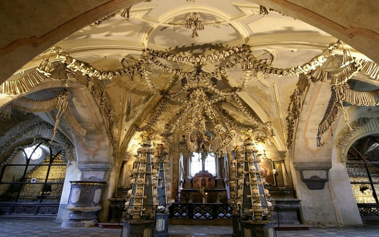 sedlec-ossuary-church-kutna-hora-czech-republic