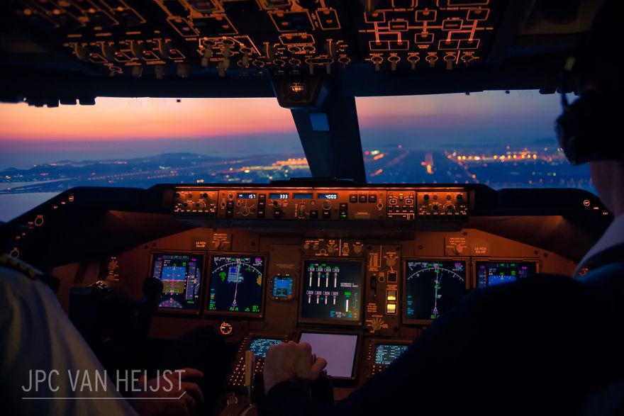 aerial-photos-boeing-747-plane-cockpit-jpc-van-heijst-10-592c0ee0d058b__880