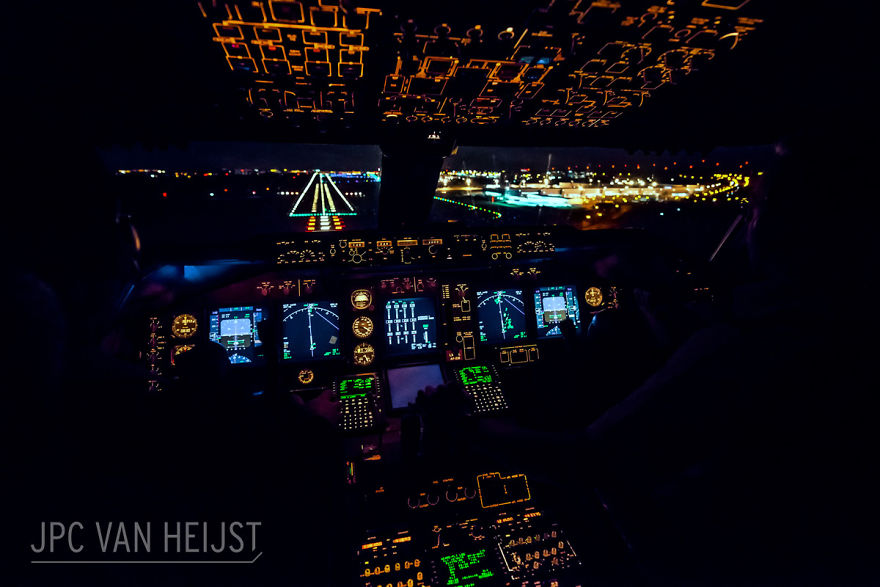 aerial-photos-boeing-747-plane-cockpit-jpc-van-heijst-12-592c0ee5274e8__880