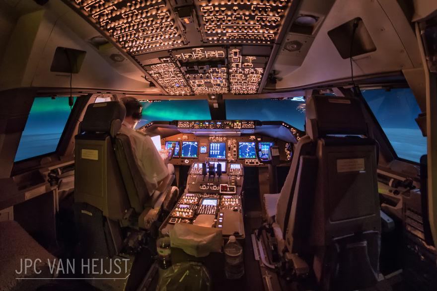 aerial-photos-boeing-747-plane-cockpit-jpc-van-heijst-17-592c0eee5e7a5__880