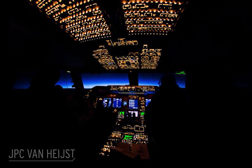 aerial-photos-boeing-747-plane-cockpit-jpc-van-heijst-19-592c0ef214b05__880