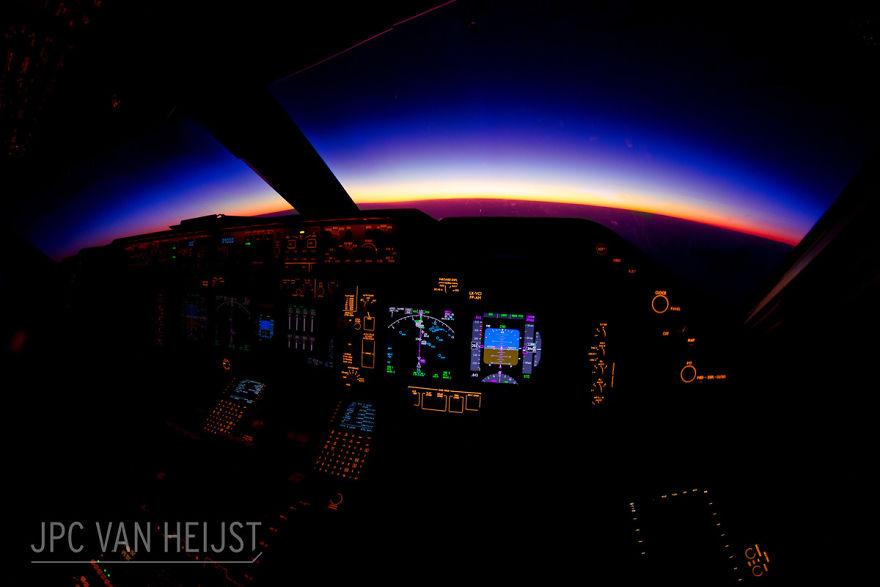aerial-photos-boeing-747-plane-cockpit-jpc-van-heijst-21-592c0ef5deef4__880