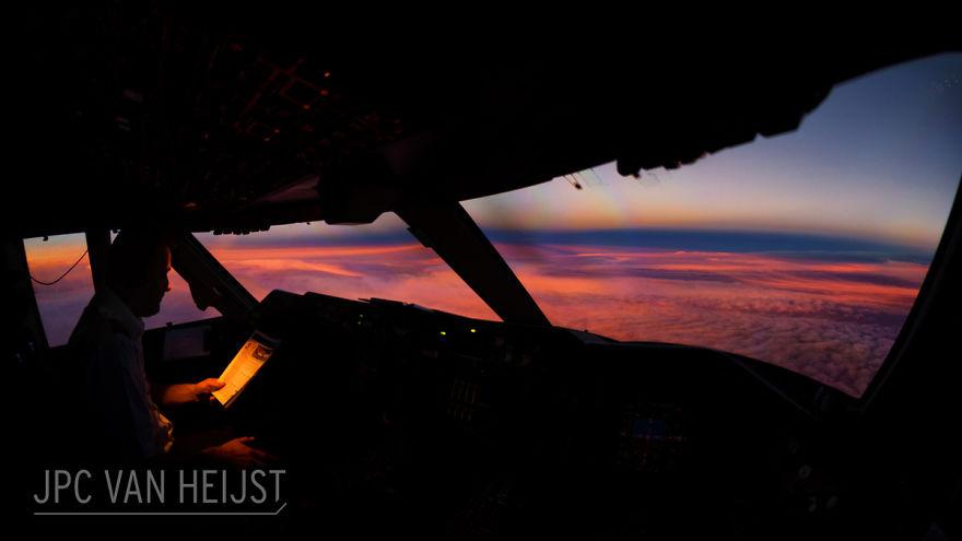 aerial-photos-boeing-747-plane-cockpit-jpc-van-heijst-22-592c0ef7f1001__880