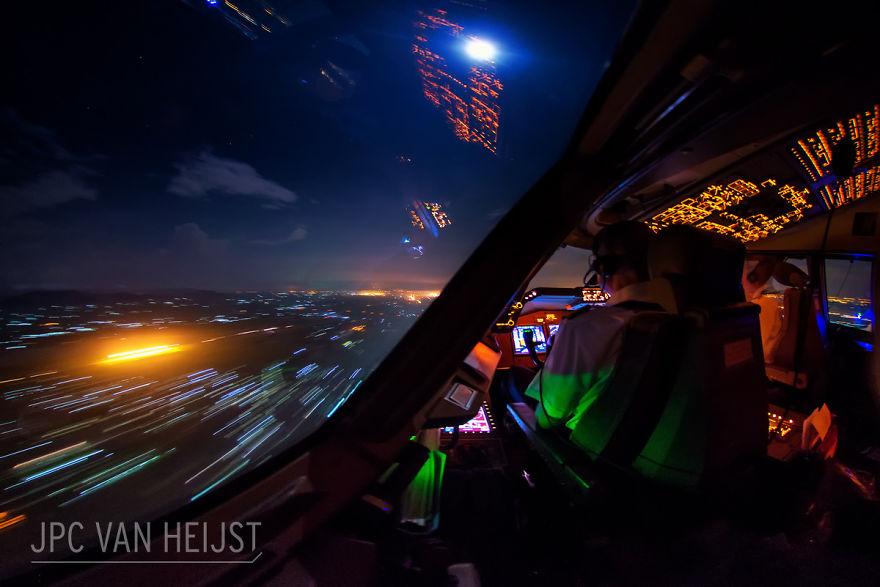 aerial-photos-boeing-747-plane-cockpit-jpc-van-heijst-27-592c0f01d283c__880