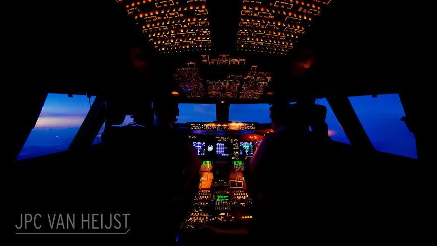 aerial-photos-boeing-747-plane-cockpit-jpc-van-heijst-28-592c0f03674c0__880