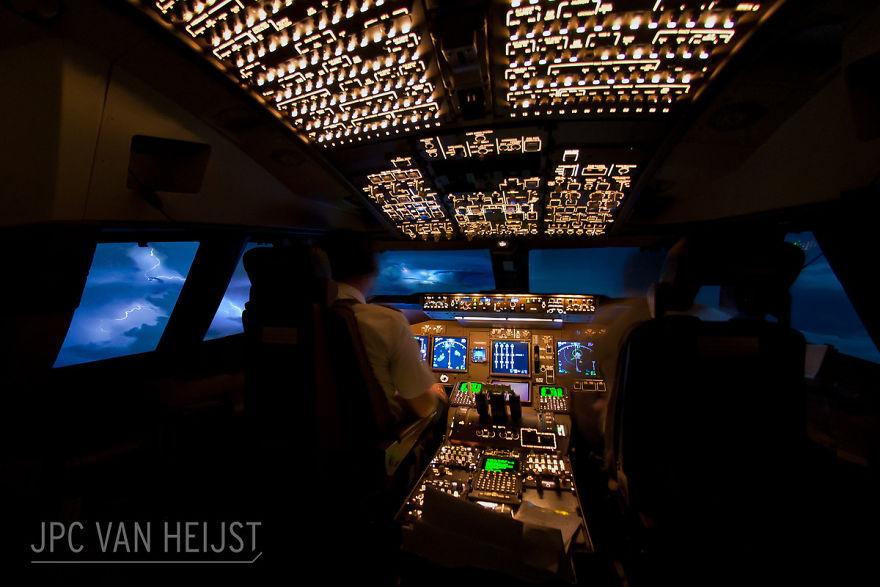 aerial-photos-boeing-747-plane-cockpit-jpc-van-heijst-29-592c0f054435b__880