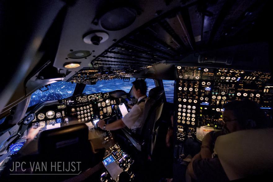 aerial-photos-boeing-747-plane-cockpit-jpc-van-heijst-3-592c0ed2e070f__880