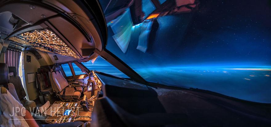 aerial-photos-boeing-747-plane-cockpit-jpc-van-heijst-31-592c0f08c3554__880