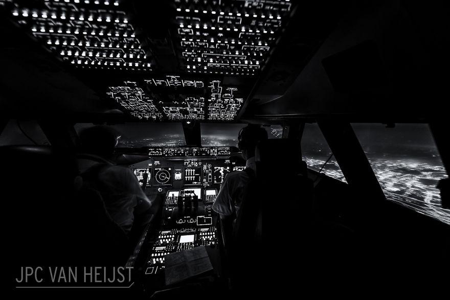 aerial-photos-boeing-747-plane-cockpit-jpc-van-heijst-32-592c0f0a65712__880