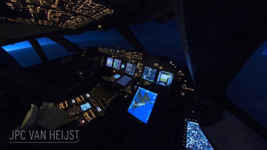 aerial-photos-boeing-747-plane-cockpit-jpc-van-heijst-7-592c0edaa96d3__880