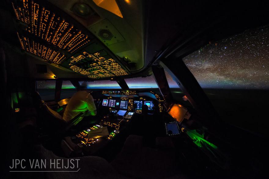 aerial-photos-boeing-747-plane-cockpit-jpc-van-heijst-8-592c0edc87201__880