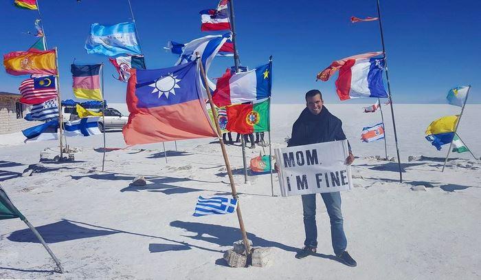 mom-im-fine-guy-still-travel-around-world-jonathan-quinonez-21-593f936841734__700