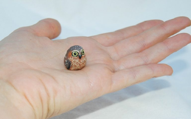 tiny_polymer_clay_sculpted_owl_by_amber_rose_creations-d5i527t