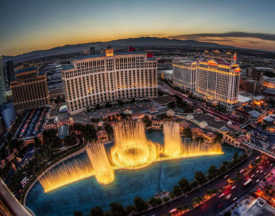 worlds-most-amazing-fountains-10-592d629aa91ff__880
