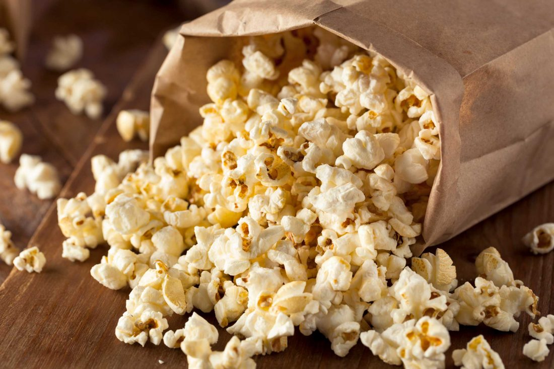 01-This-Is-the-Secret-to-Making-Amazing-DIY-Microwave-Popcorn-478626726_bhofack2
