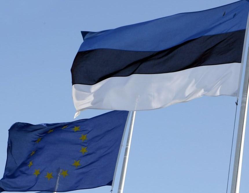 estonija-i-eu-znaminja-860x668