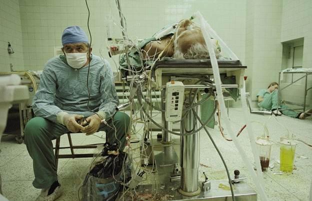 Хирург после операција на срце која траела 23 часа