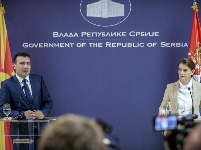 Zaev-i-Brnabic-Belgrad-21noe17-Vlada-na-RM